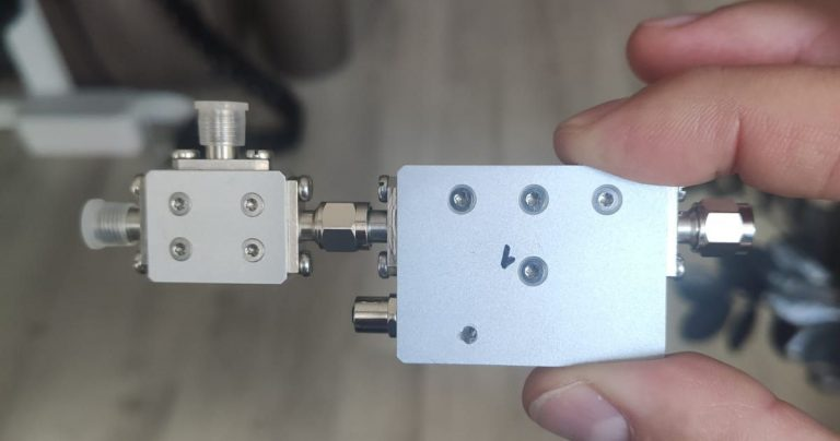 GP-Blocker – RF switch with embedded jammer to combat GNSS spoofing